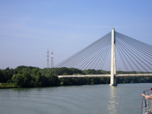 dsc00646-bridge-across-danube