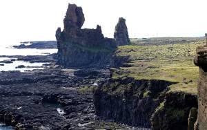 lóndrangar cliffs iceland